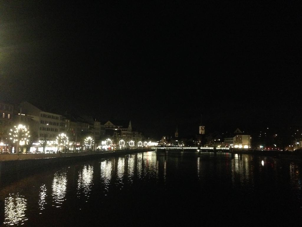 Zurich walk over the rivers