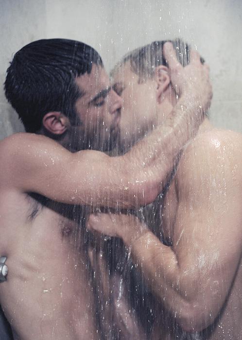 httpCOLONSLASHSLASNforumserver.twoplustwo.comSLASH62SLASHbbv4lifeSLASHmen-kissing-other-men-1398907