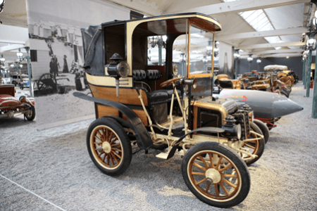 photo of Panhard-Levassor Ladndaulet car