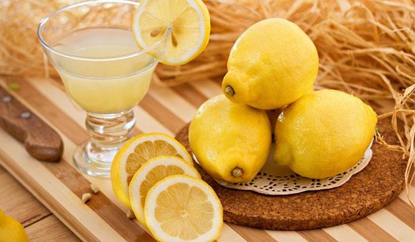 Jugo de Limón - remedios caseros para la enfermedad del hígado graso