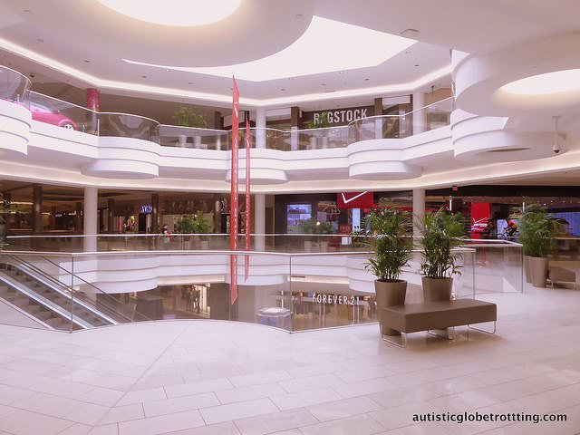Taking your kids with Autism to the Mall of America columns