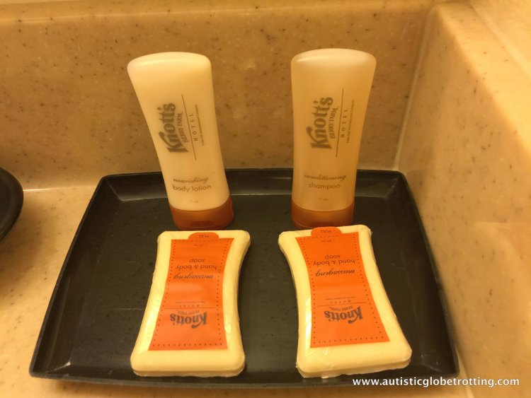 The Knott's BerryFarm Hotel is great for Families KIT