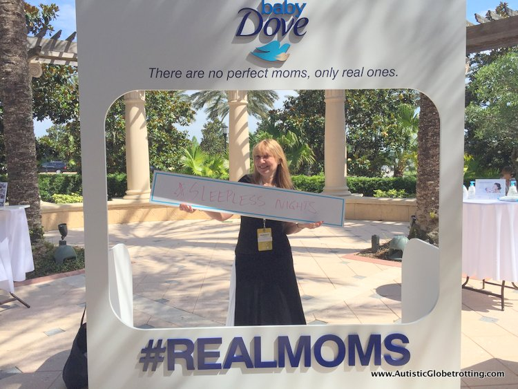 Seven Reasons to Attend the Mom 2.0 Summit dove