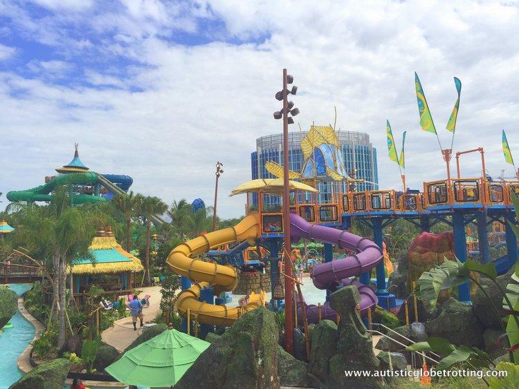 Universal Studios Volcano Bay™ Tips yellow