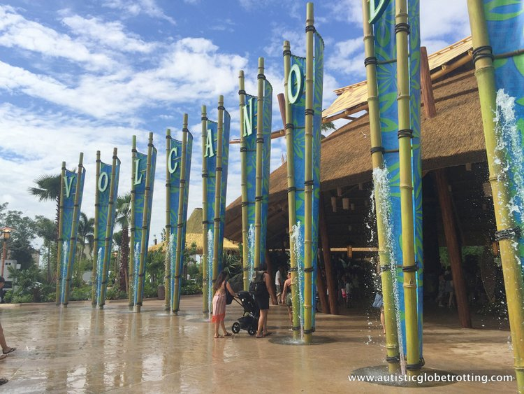 Universal Studios Volcano Bay™ Tips sign
