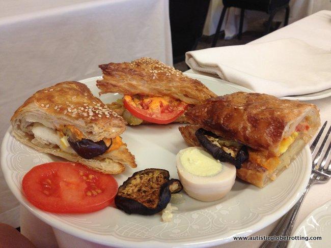 Dan Tel Aviv Hotel Welcomes Families food