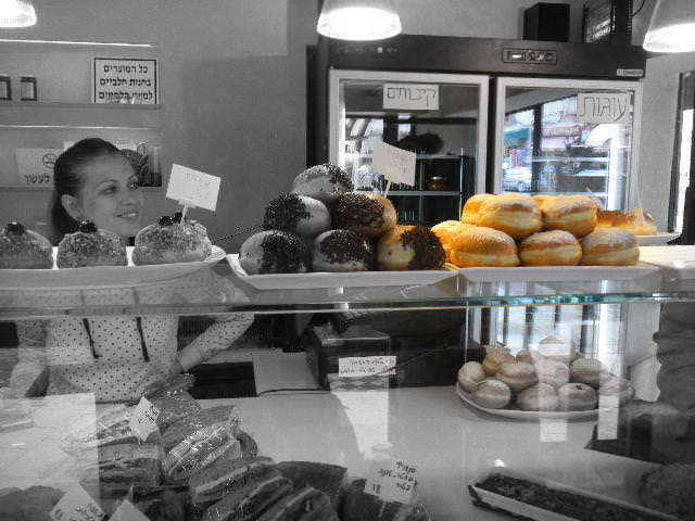 Old Jaffa 2.0 :Reliving childhood memories with the kids donuts