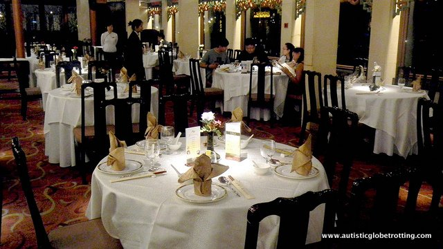 Family Dining at Jumbo Kingdom Floating Restaurant