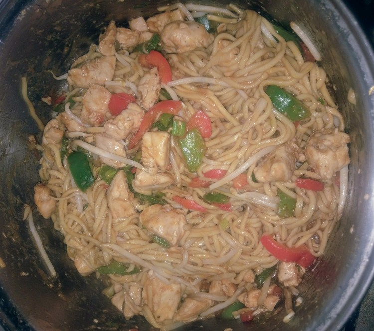 A pan full of chicken chow mein
