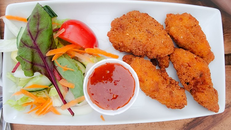 Breaded chicken with sweet chilli dip and salad at the Hanging Gate pub in chapel-en-le-firth