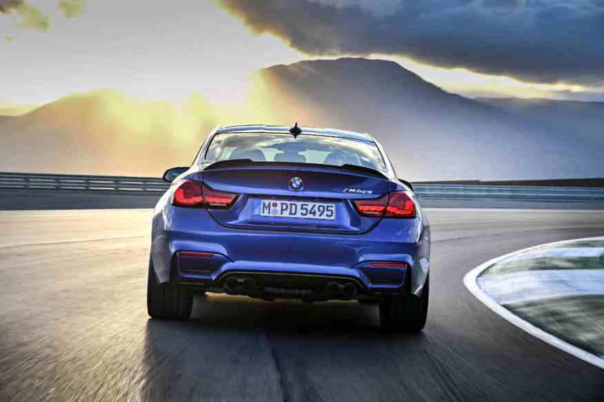 PERFORMANCE SPORTS CAR BMW M4 CS