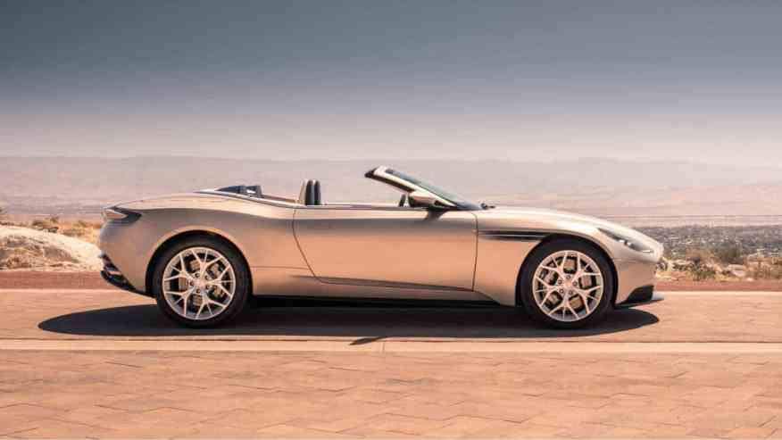 PRESTIGE SPORTS CAR ASTON MARTIN DB11 VOLANTE
