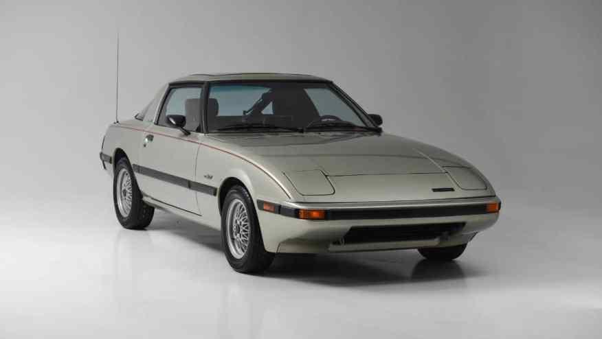 CLASSIC CAR MAZDA RX7