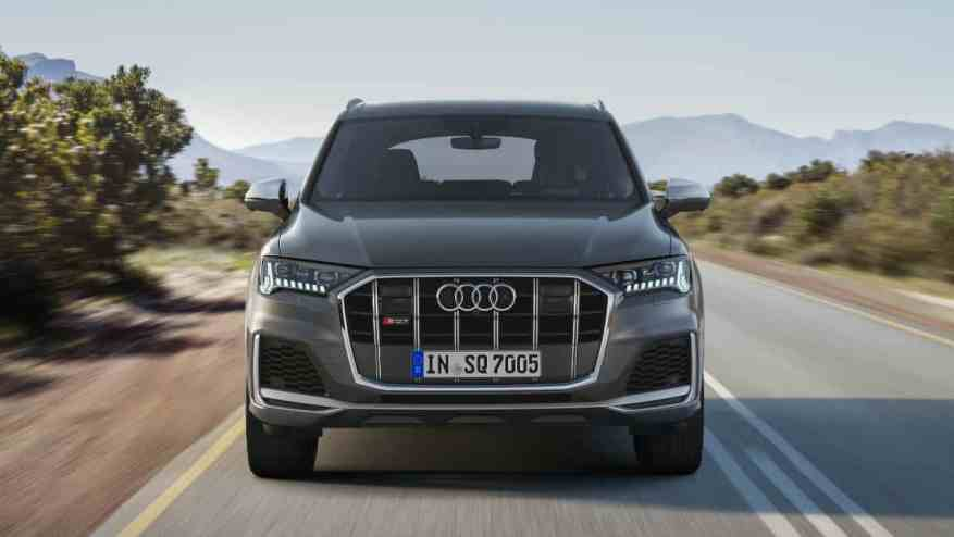 PERFORMANCE SUV CAR AUDI SQ7 TDI