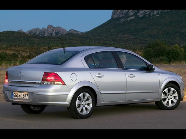 2010 Opel Astra h sedan – pictures, information and specs ...