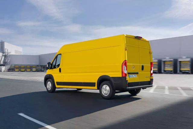 2021-Opel_Movano-%20(2)