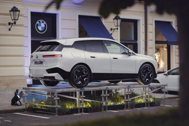 BMW_iX-MFF-Karlovy_Vary-2021