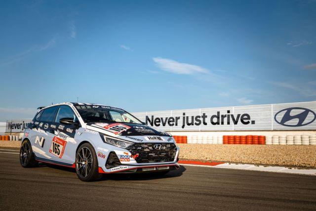 Hyundai_i20_N-2021-zavod-24_hodin_Nurburgring