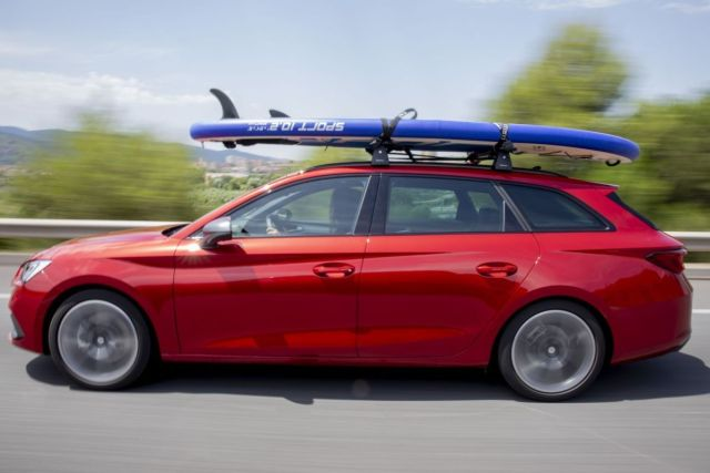 seat_leon_sportourer-vodni_sporty-paddleboard-2