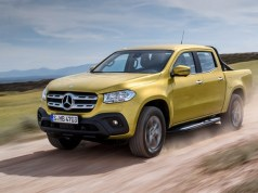 2018-Mercedes-Benz-tridy-X-pick-up
