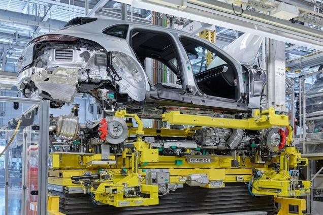 zahajeni-vyroby-Porsche-Panamera-Sport-Turismo- (4)