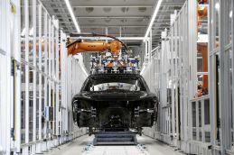 2018-Audi-A8- (57)