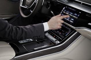 2018-Audi-A8-L- (11)