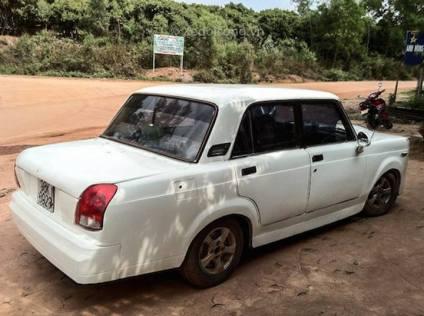 LADA-Rolls-Royce-Phantom- (6)