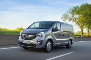 Opel-Vivaro-Tourer- (7)