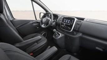 Opel-Vivaro-Tourer- (9)