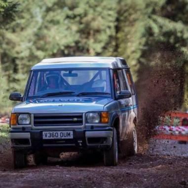 land-roved-discovery-rally-prodej- (9)