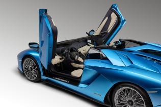 Lamborghini-Aventador-S-Roadster-8
