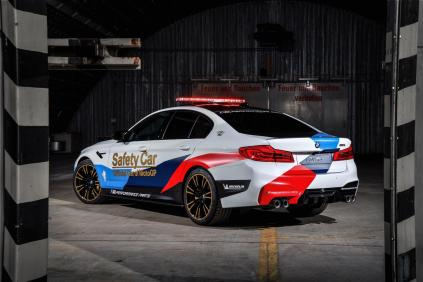 2017-BMW-M5-MotoGP-Safety-Car- (9)