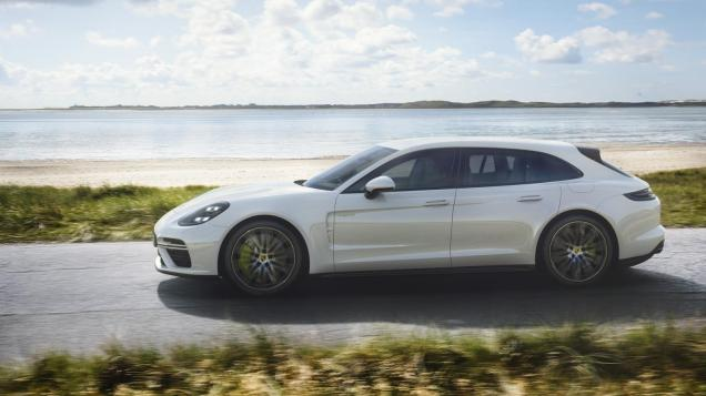 Porsche-Panamera-Turbo-S-E-Hybrid-Sport-Turismo-03