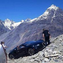 bugatti-veyrona-nehoda-v-chile-1