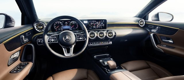 2018-mercedes-benz-tridy-a-interier