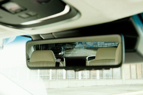 lexus ls digitalni zpetne zrcatko