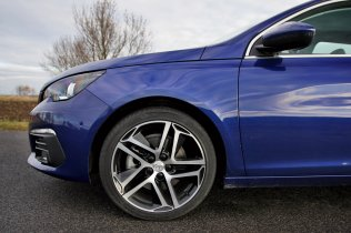 Test-Peugeot-308-SW-20-blueHDi-150-EAT6- (21)