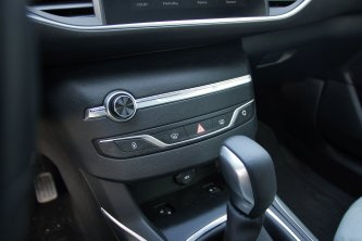 Test-Peugeot-308-SW-20-blueHDi-150-EAT6- (36)