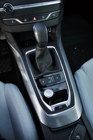 Test-Peugeot-308-SW-20-blueHDi-150-EAT6- (38)