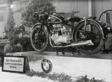motorka-BMW-R24
