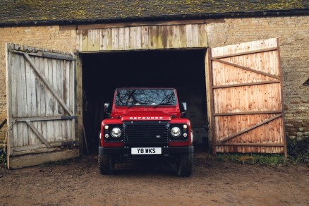 Land-Rover-Defender-Works-V8- (7)