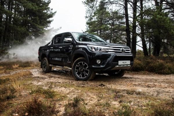 Toyota Hilux Invincible 50 Chrome Edition