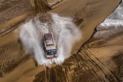 rallye-dakar-2018-tatra-buggyra-racing- (3)