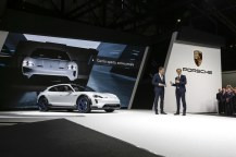 2018-zeneva-Porsche-Mission-E-Cross-Turismo- (4)
