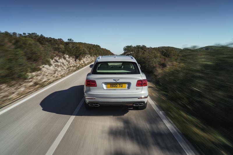 Bentley-Bentayga-Hybrid- (4)