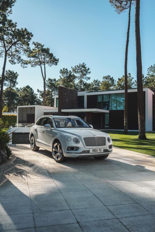 Bentley-Bentayga-Hybrid- (6)