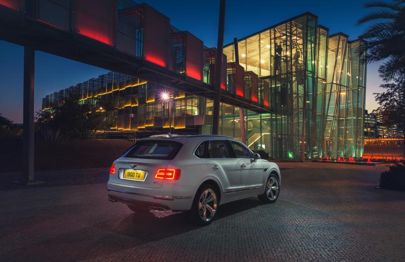 Bentley-Bentayga-Hybrid- (8)