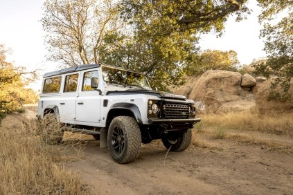 Fusion-Motor-Company-Land-Rover-Defender-V8- (9)
