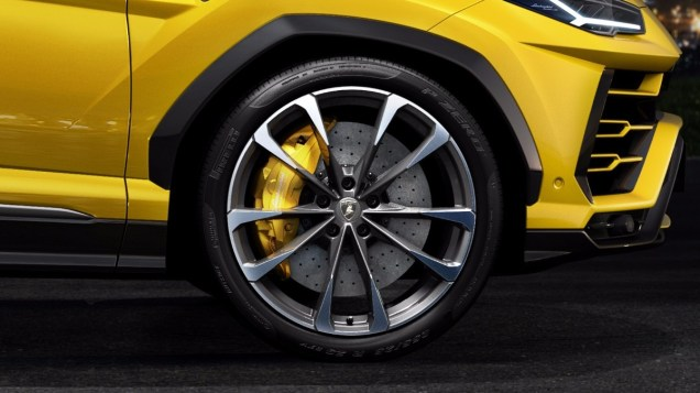 Lamborghini-Urus-nejvetsi-brzdy